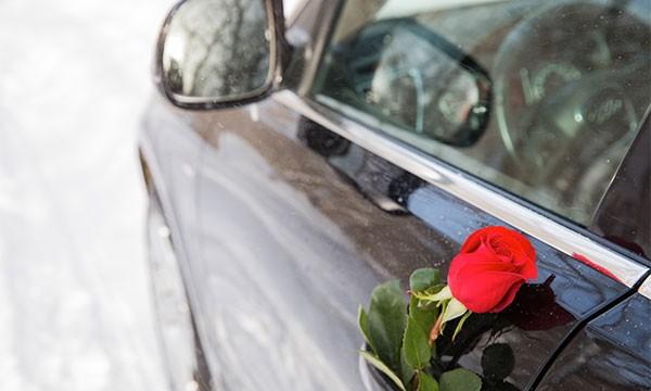 Location d'automobile avec chauffeur pour la Saint-Valentin